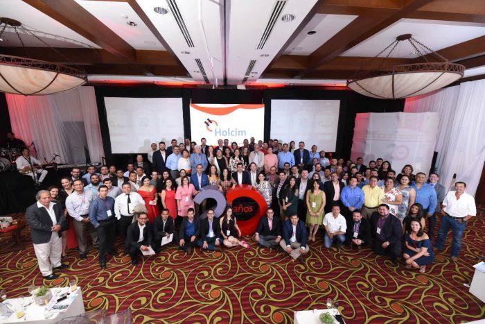 Clientes, franquiciados, Comité ejecutivo de centroamérica y colaboradores de Holcim Nicaragua
