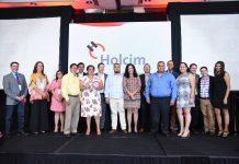 Reconocimiento a clientes desde hace 20 años Javier Blanco y Carmen Baca.